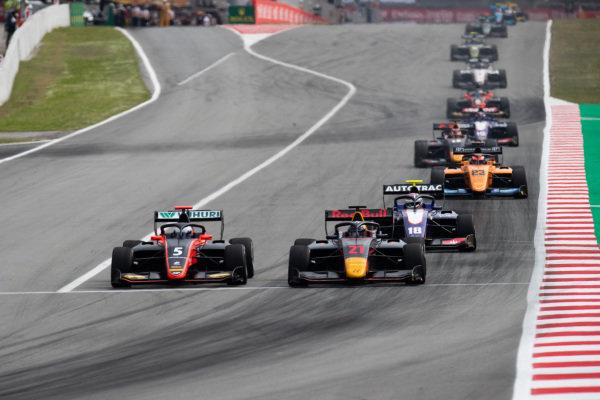 Juri Vips (EST, Hitech Grand Prix) and Simo Laaksonen (FIN, MP Motorsport)