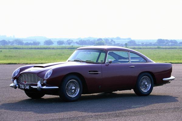 Aston Martin DB5 Coupe, 1963. Mainz-Finthen, Germany.