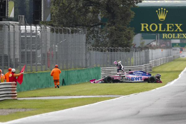 Sergio Perez, Racing Point RP19 getting out of car after crashing in FP1