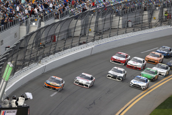 #9: Noah Gragson, JR Motorsports, Chevrolet Camaro, white flag