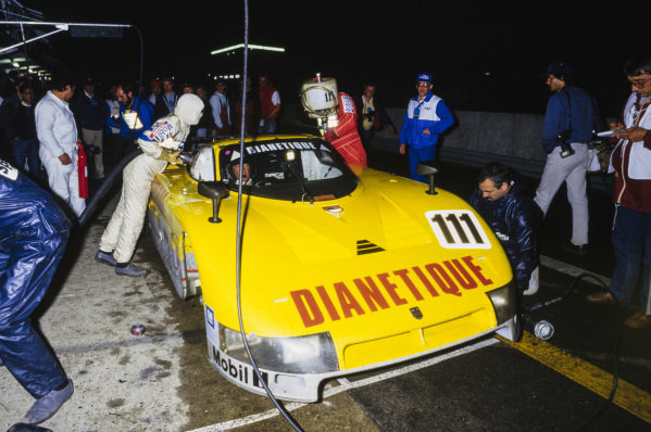 Gordon Spice / Fermin Velez / Philippe de Henning, Spice Engineering Ltd., Spice SE86C, makes a pit stop and driver change at night.