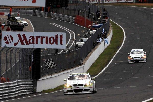 Augusto Farfus Jr (BRA), BMW 320si, won race 2. FIA World Touring Car Championship, Rd8, Brands Hatch, England, 19 July 2009.