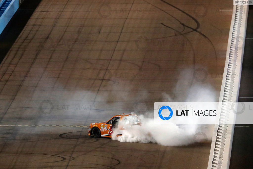 12 November, 2016, Avondale, Arizona,  USA Daniel Suarez burnout ?2016, Michael L. Levitt LAT Photo USA