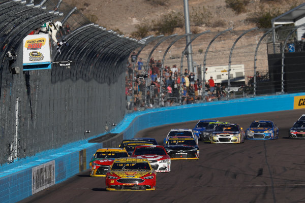 12-14 November, 2016, Avondale, Arizona,  USA , Joey Logano takes the checkered flag and win, priority ?2016, Michael L. Levitt LAT Photo USA