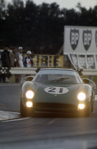 1968 Le Mans 24 hours. Le Mans, France. 28-29 September 1968. David Piper/Richard Attwood (Ferrari 275LM), 7th position. World Copyright: LAT Photographic Ref: 68LM12