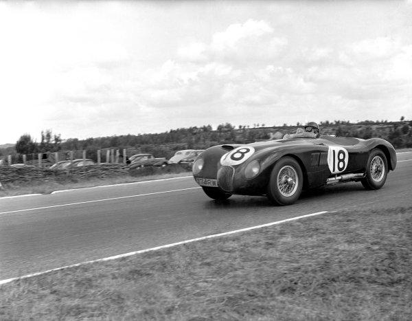 1953 Le Mans 24 hours. Le Mans, France. 13-14 June 1953. Winning Jaguar XK120 C of Tony Rolt and Duncan Hamilton.  World Copyright: LAT Photographic Ref: Autocar Glass Plate C35992
