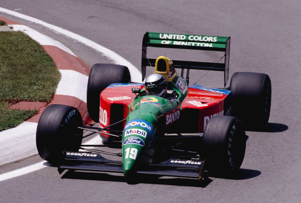 1990 Canadian Grand Prix.Montreal, Quebec, Canada.8-10 June 1990.Alessandro Nannini (Benetton B190 Ford).Ref-90 CAN 13.World Copyright - LAT Photographic