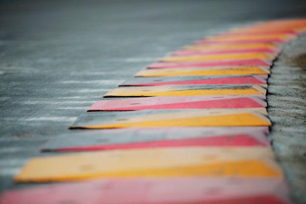 2014 FIA Formula E Championship. Punta del Este ePrix, Uruguay. Kerbing. Photo: Zak Mauger/LAT/FE ref: Digital Image _MG_1264