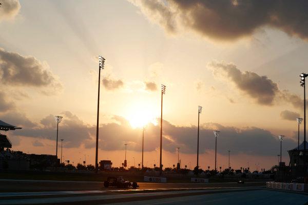 Yas Marina Circuit, Abu Dhabi, United Arab Emirates. Friday 27 November 2015. Jenson Button, McLaren MP4-30 Honda. World Copyright: Charles Coates/LAT Photographic ref: Digital Image _99O6804