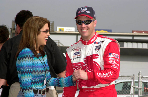 2000 NASCAR Winston Cup. North Carolina Speedway, Rockingham, NC, USA. 20th - 22nd October 2000. Rd 31. Jeremy Mayfield (Mobil 1 / World Series 2000 Ford), pole position, with his girlfriend, portrait.  World Copyright: Robt LeSieur / LAT Photographic.
