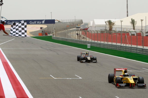 Bahrain International Circuit, Sakhir, Bahrain. 22nd April. Sunday Race.Davide Valsecchi (ITA, Dams) crosses the line to take victory closely followed by Esteban Gutierrez (MEX, Lotus GP). Action.  World Copyright: Andrew Ferraro/GP2 Media Service. Ref: Digital Image _Q0C8490.jpg