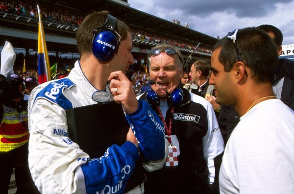 (L-R): Tony Ross (GBR) Williams Race Engineer, Patrick Head (GBR) Williams Technical Director and Juan Pablo Montoya (COL) Williams.United States Grand Prix, Indianapolis, USA, 28 September 2003.BEST IMAGE