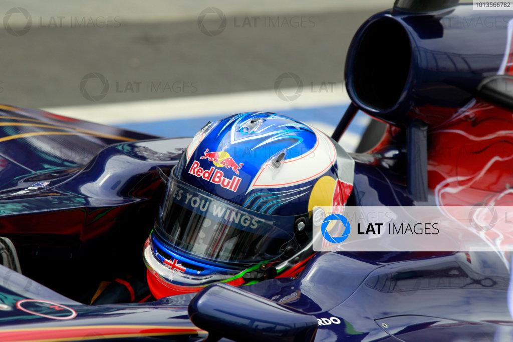 Albert Park, Melbourne, Australia25th March 2011.Daniel Ricciardo, Toro Rosso STR6. Portrait. Helmets. World Copyright: Charles Coates/LAT Photographicref: Digital Image _X5J8008