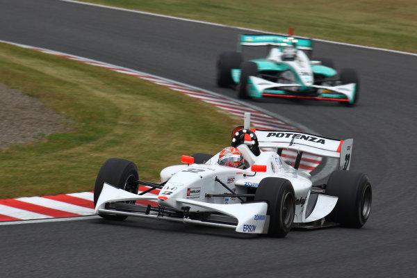 Rd 7 Suzuka, Japan. 6th - 7th November 2010.Race1, 2nd position Takashi Kogure ( #32 NAKAJIMA RACING ) action.World Copyright: Yasushi Ishihara/LAT Photographic.Ref: 2010FN_R7_009.