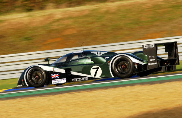 2003 Le mans 24 HoursLe Mans, France. 11th June 2003The Bentley GTP of Kristensen/Capello/Smith, action.World Copyright: Geoff Bloxham/LAT Photographicref: Digital Image Only