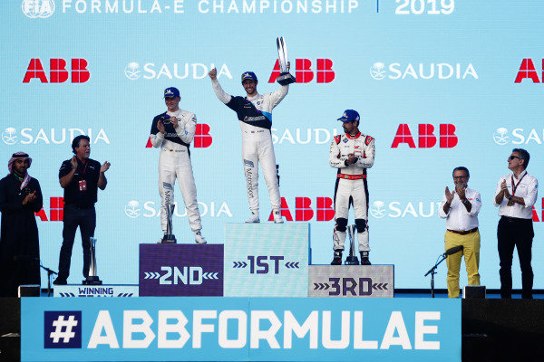 Alexander Sims (GBR) BMW I Andretti Motorsports, BMW iFE.20, celebrates on the podium with Maximilian Günther (DEU), BMW I Andretti Motorsports, BMW iFE.20, and Lucas Di Grassi (BRA), Audi Sport ABT Schaeffler, Audi e-tron FE06