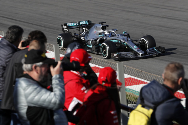 Valtteri Bottas, Mercedes-AMG F1 W10 EQ Power+ and fans