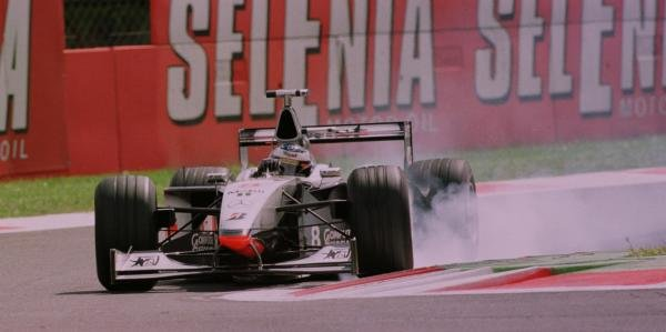 1998 Italian Grand Prix.Monza, Italy.11-13 September 1998.Mika Hakkinen (McLaren MP4/13 Mercedes-Benz) 4th position.World Copyright - Steve Etherington/LAT Photographic