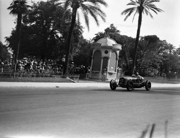 Tazio Nuvolari, Maserati 8CM.