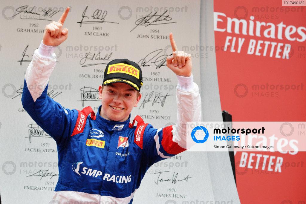 Robert Shwartzman (RUS) PREMA Racing, celebrates on the podium