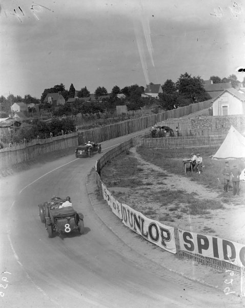 Roger Bourcier / Louis Debeugny, Automobiles Tracta, Tracta A28 SCAP, leads Frank Clement / Dick Watney, Team Bentley, Bentley Speed Six and Dudley Benjafield / Guilio Ramponi, Team Honorable Miss D. Paget, Bentley Blower.