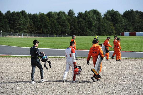 Jusuf Owega (GER) Hillspeed BRDC British F3 and Kush Maini (IND) Lanan Racing BRDC British F3 crash