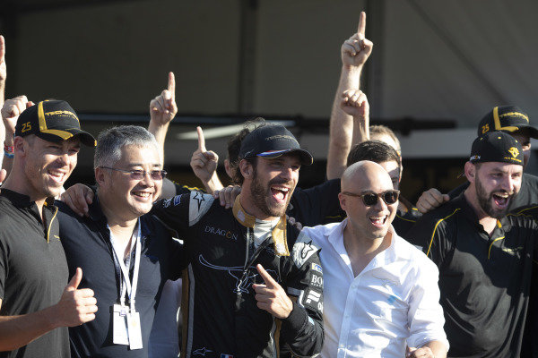 Jean-Eric Vergne (FRA), TECHEETAH, Renault Z.E. 17 and Andre Lotterer (BEL), TECHEETAH, Renault Z.E. 17, celebrate with the team.