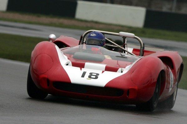 Lola T70 Spyder. Historic Car Racing, Donington, England, 20 April 2008