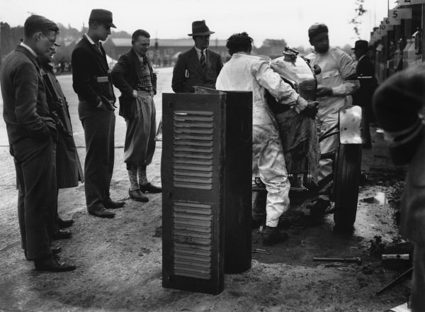 """Brooklands, England. May 1929.The Woolf Barnato/Dr Dudley Benjafield (Bentley Speed Six """"Old No 1""""), which was disqualified on the first day when in the lead, due to the disconnection and removal of the dynamo after the drive coupling failed. The rules required the dynamo to be driven, action. World Copyright: LAT Photographic.Ref:  Autocar Glass Plate B1573."""