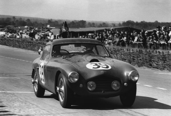 Le Mans, France. 13th - 14th June 1953 Ken Wharton/Laurence Mitchell (Frazer Nash Le Mans Coupe), 13th position, action. World Copyright: LAT Photographic Ref: 53 - 52 - 6.