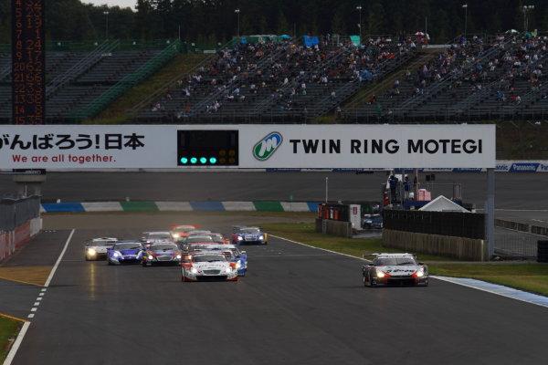 Twin Ring Motegi, Japan.15th - 16th October 2011GT500 Start of the race action.World Copyright: Yasushi Ishihara/LAT Photographicref: Digital Image 2011SGT_R8_001