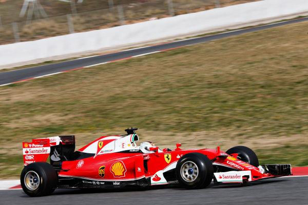 Circuit de Catalunya, Barcelona, Spain Monday 22 February 2016. Sebastian Vettel, Ferrari SF16-H. World Copyright: Alastair Staley/LAT Photographic ref: Digital Image _79P9596