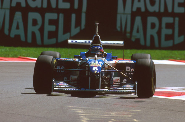 Monza, Italy.6-8 September 1996.Jacques Villeneuve (Williams FW18 Renault) 7th position.Ref-96 ITA 02.World Copyright - LAT Photographic