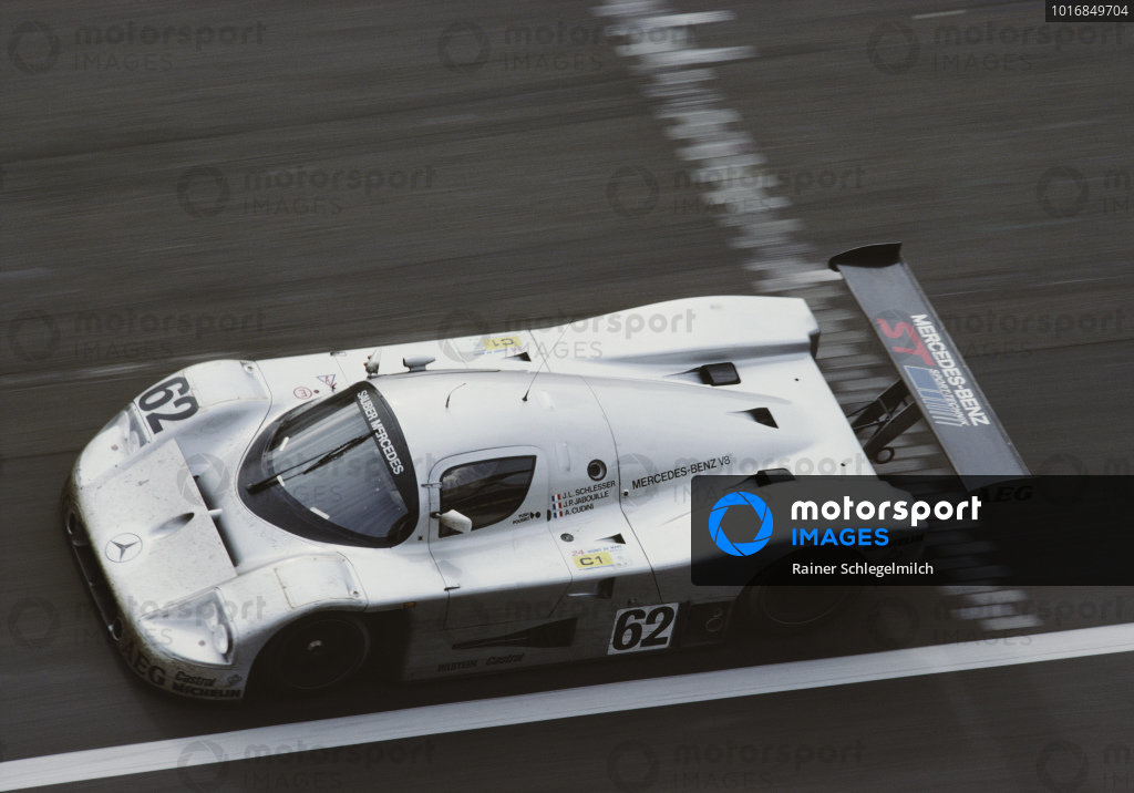 Jean-Louis Schlesser / Jean-Pierre Jabouille / Alain Cudini, Team Sauber Mercedes, Sauber-Mercedes C9/88.