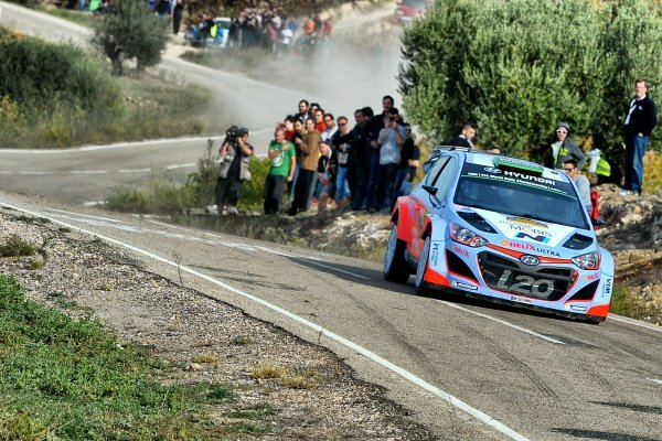 Hayden Paddon (NZL) / John Kennard (NZL) Hyundai i20 WRC at FIA World Rally Championship, Rd12, RAAC Rally de Espana, Day Three, Costa Daurada, Catalunya, Spain, 25 October 2015.