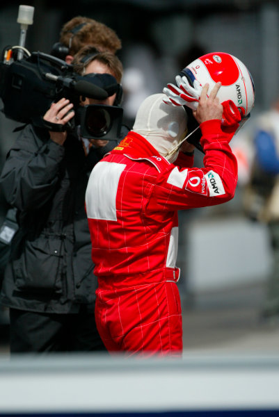 2002 American Grand Prix - Friday PracticeIndianapolis, USA. 27th September 2002Rubens Barrichello after his accident.World Copyright - LAT Photographicref: Digital File Only