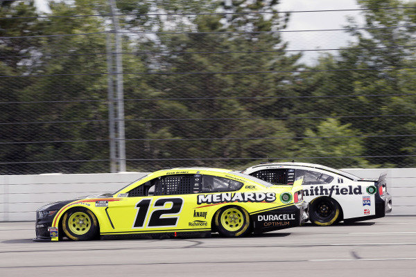 #12: Ryan Blaney, Team Penske, Ford Mustang Menards/Duracell and #10: Aric Almirola, Stewart-Haas Racing, Ford Mustang Smithfield Vote For Bacon