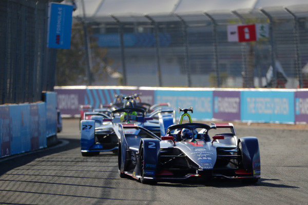 Sam Bird (GBR), Envision Virgin Racing, Audi e-tron FE05, leads Alexander Sims (GBR) BMW I Andretti Motorsports, BMW iFE.18