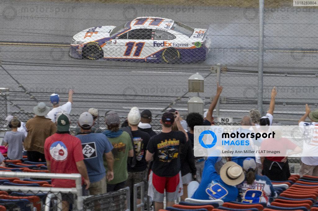 #11: Denny Hamlin, Joe Gibbs Racing, Toyota Camry FedEx Express celebrates his victory