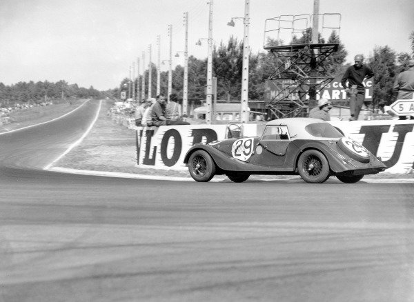 Le Mans, France.23rd - 24th June 1962.Chris Lawrence/Richard Shepard-Baron, Morgan Plus 4 Triumph, 13th position overall, 11th in GT Class, action.World Copyright: LAT PhotographicRef: C66341