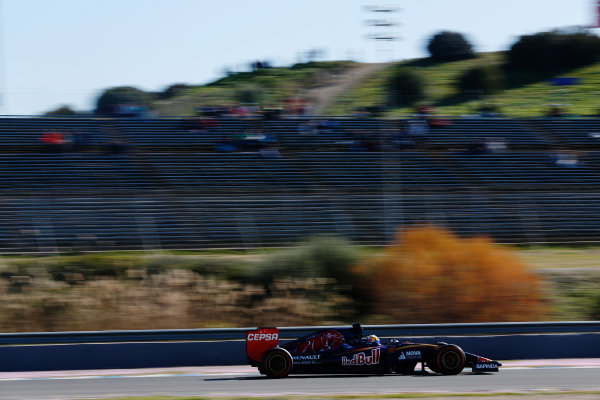 2015 F1 Pre Season Test 1 - Day 1 Circuito de Jerez, Jerez, Spain. Sunday 1 February 2015. Carlos Sainz Jr, Toro Rosso STR10 Renault. World Copyright: Alastair Staley/LAT Photographic. ref: Digital Image _R6T3321