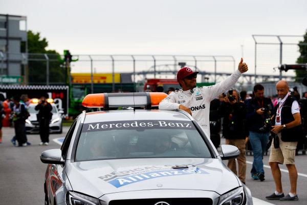 Circuit Gilles Villeneuve, Montreal, Canada. Saturday 11 June 2016. Pole man Lewis Hamilton, Mercedes AMG, in the Medical Car. World Copyright: Steven Tee/LAT Photographic ref: Digital Image _H7I5037