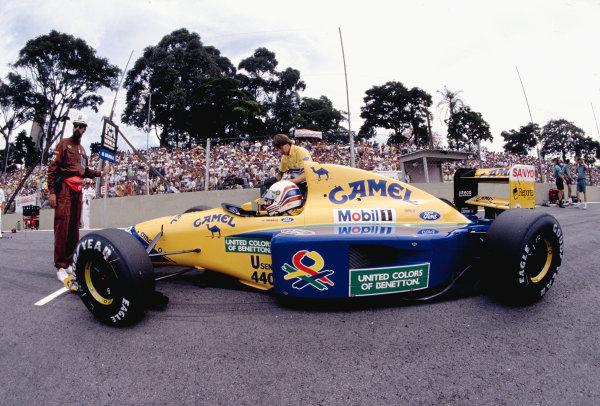 1992 Brazilian Grand Prix.Interlagos, Sao Paulo, Brazil. 3-5 April 1992.Martin Brundle (Benetton B191B Ford).Ref-92 BRA 17.World Copyright - LAT Photographic