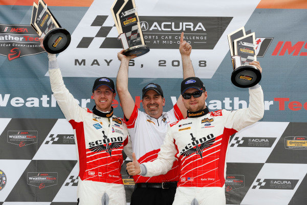 #60 Roush Performance / KohR Motorsports, Ford Mustang GT4, GS: Nate Stacy, Kyle Marcelli, podium