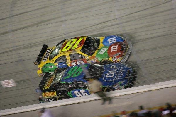 Kyle Busch (USA) M&M's Toyota and Ken Schrader (USA) DLP HDTV Toyota. Sharpie 500, Bristol Motor Speedway, Tennessee, USA, 22-24 August 2008.