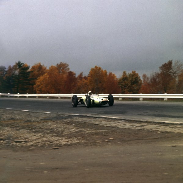 1962 United States Grand Prix.Watkins Glen, New York, USA.5-7 October 1962.Masten Gregory (Lotus 24 BRM), action.Ref-690A.World Copyright - LAT Photographic