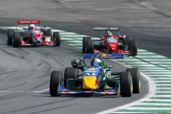 Bernhard Auinger (AUT) Superfund TME Dallara Toyota leads Fabio Carbone (BRA) Signature Dallara Renault and Alvaro Parente (POR) Team Ghinzani Dallara Mugen Honda.F3 Euro Series, Rd13 & Rd14, A1-Ring, Austria, 7 September 2003.DIGITAL IMAGE