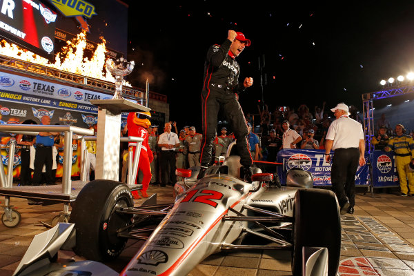 Verizon IndyCar Series Rainguard Water Sealers 600 Texas Motor Speedway, Ft. Worth, TX USA Saturday 10 June 2017 Will Power, Team Penske Team Penske Chevrolet celebrates in victory World Copyright: Phillip Abbott LAT Images ref: Digital Image abbott_texas_0617_6102