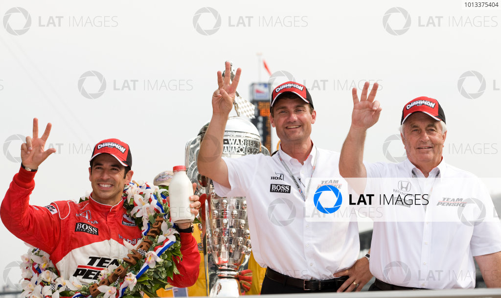 24 May, 2009, Indianapolis, Indiana, USACastroneves, Cindric and Penske©2009, Michael L. Levitt, USALAT Photographic