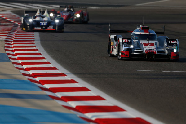 2015 FIA World Endurance Championship Bahrain 6-Hours Bahrain International Circuit, Bahrain Saturday 21 November 2015. Marcel F?ssler, Andr? Lotterer, Beno?t Tr?luyer (#7 LMP1 Audi Sport Team Joest Audi R18 e-tron quattro) leads Nick Leventis, Danny Watts, Jonny Kane (#42 LMP2 Strakka Racing Gibson 015S Nissan). World Copyright: Alastair Staley/LAT Photographic ref: Digital Image _79P0600